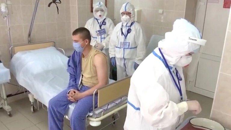 Минздрав РФ предупредил, что COVID-19 дает больше осложнений, чем обычный грипп