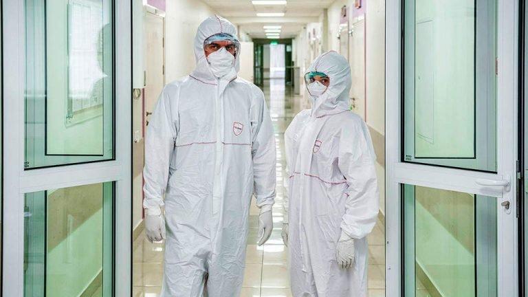 Минздрав Беларуси не подтвердил информацию об отмене ковидных доплат медикам