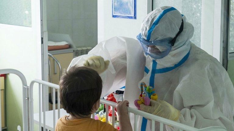 Коронавирус у детей может вызвать опасные патологии в мозге