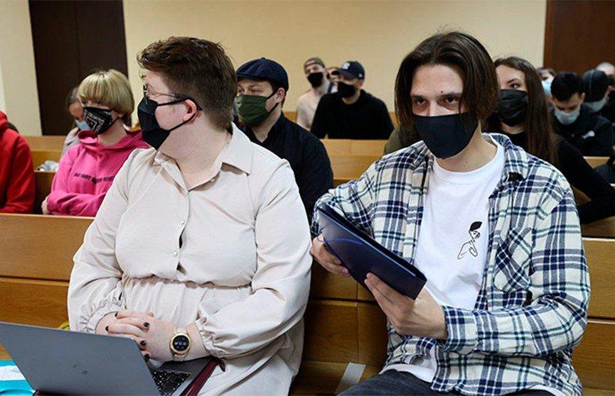 В Минске проходит суд над Тимой Белорусских