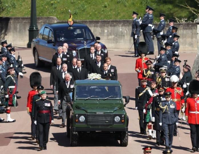 Принца Филиппа похоронили 17 апреля в часовне Святого Георгия