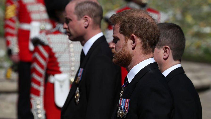 Принц Чарльз пригласил принца Гарри на серьезный разговор