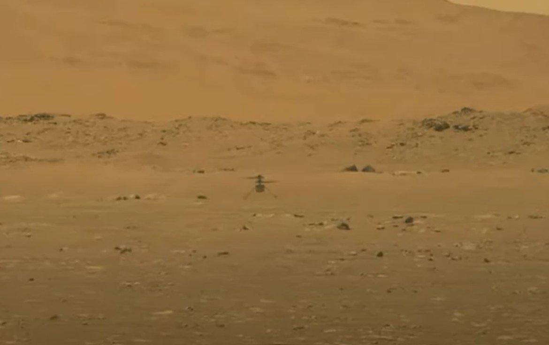 Беспилотный вертолет NASA Ingenuity совершил первый взлет на Марсе
