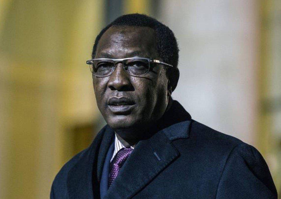 Президент Чада скончался от боевых ранений в день переизбрания на шестой срок
