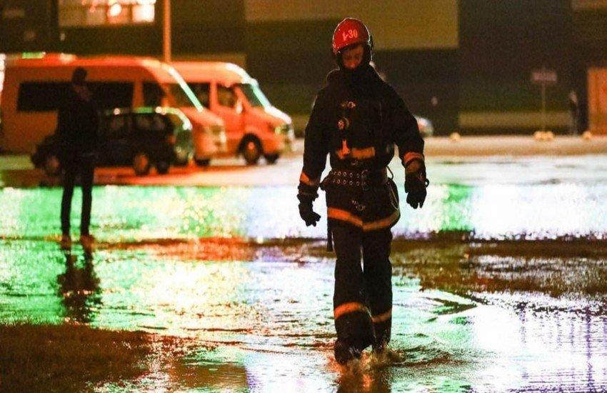 Вода из-под крана в пострадавших от аварии районах Минска не пригодна для питья