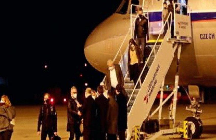 МИД Чехии пригрозил выслать из Праги 60 российских дипломатов