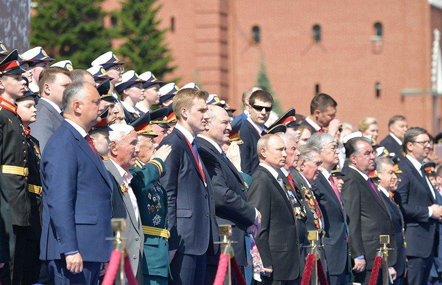 В Кремле оценили возможность посещения Лукашенко парада Победы в Москве