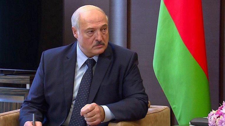 Лукашенко готов провести досрочные выборы в Беларуси одновременно с США