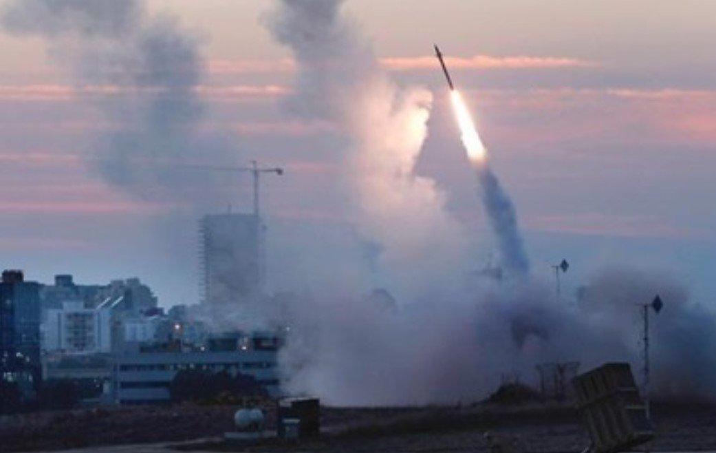 Палестинские военные запустили 130 ракет по территории Израиля