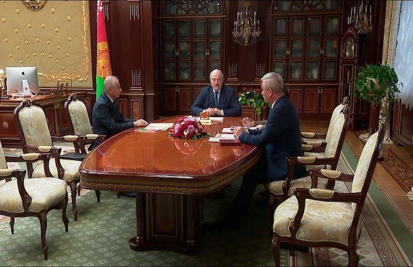 Лукашенко: если новый законопроект не поддержат, в силе останется прежняя Конституция