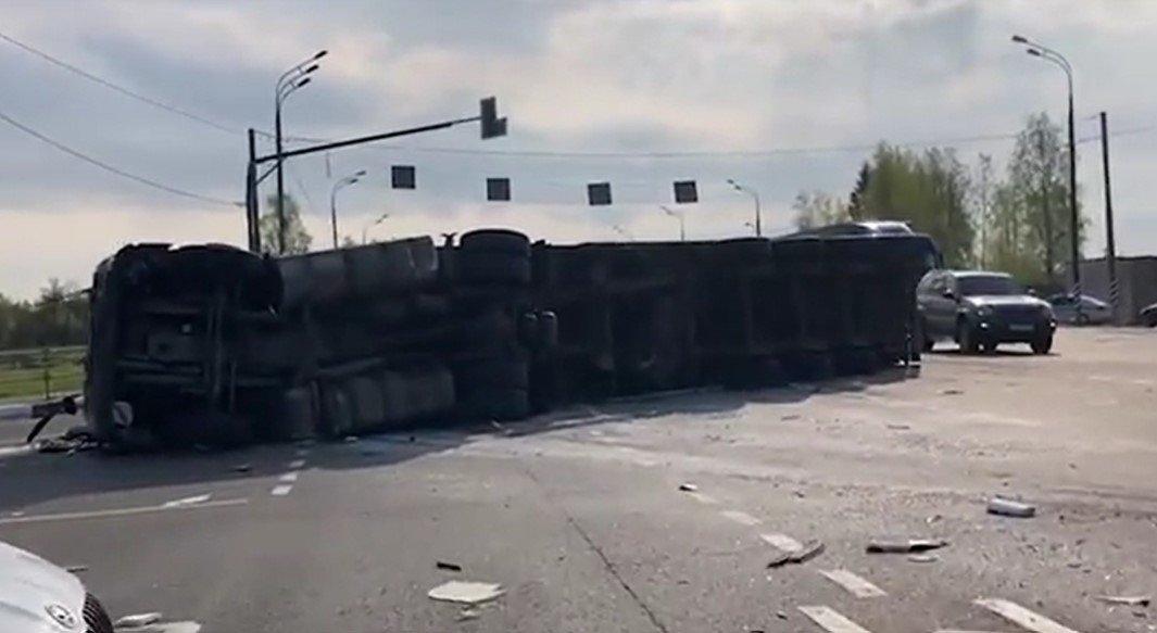 В ДТП микроавтобуса и фуры под Смоленском пострадали 13 граждан Беларуси
