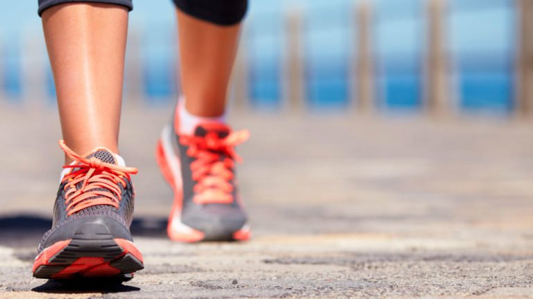 Ученые рассчитали, сколько шагов нужно делать в сутки для укрепления здоровья