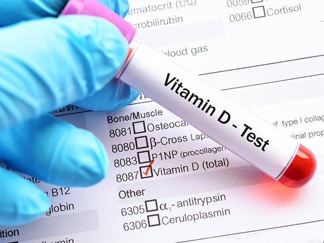 Ученые развеяли миф о риске заражения COVID-19 из-за дефицита витамина D