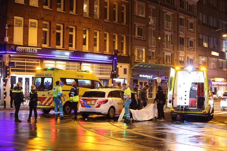 В Амстердаме неизвестный напал с ножом на прохожих: есть жертвы.