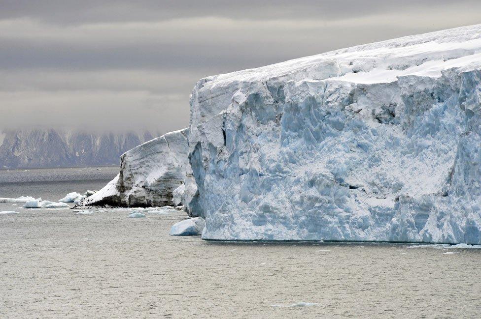 Исследования показали, что льды Арктики тают быстрее, чем ожидалось
