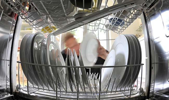 Эксперты выявили скрытую опасность посудомоечных машин для здоровья человека