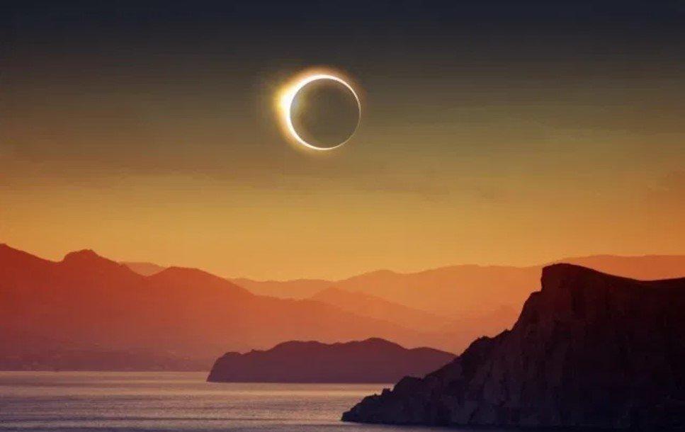 В Минском планетарии рассказали о кольцеобразном затмении Солнца 10 июня