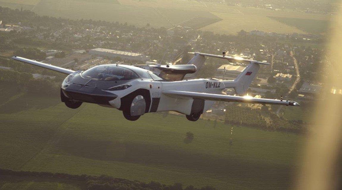 В Словакии испытали летающий автомобиль AirCar