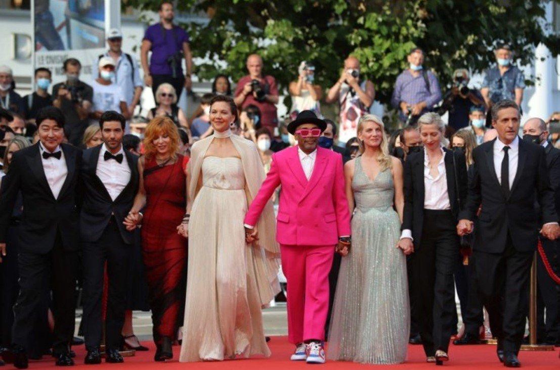 Во Франции открылся 74-й Международный Каннский фестиваль