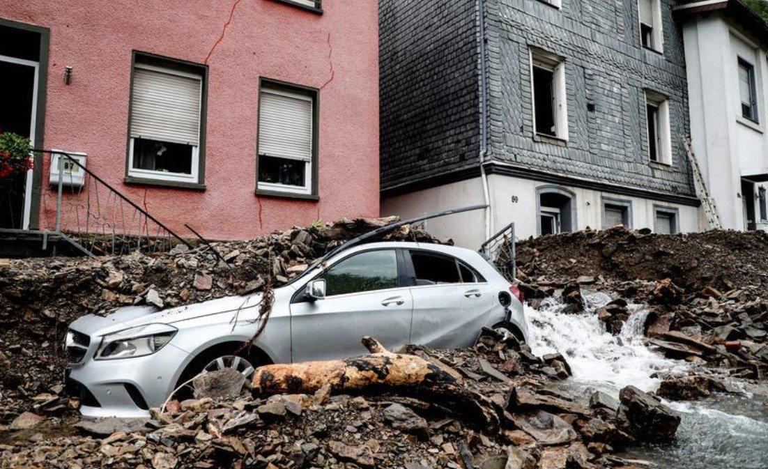 На западе Германии ввели режим военной катастрофы из-за наводнений