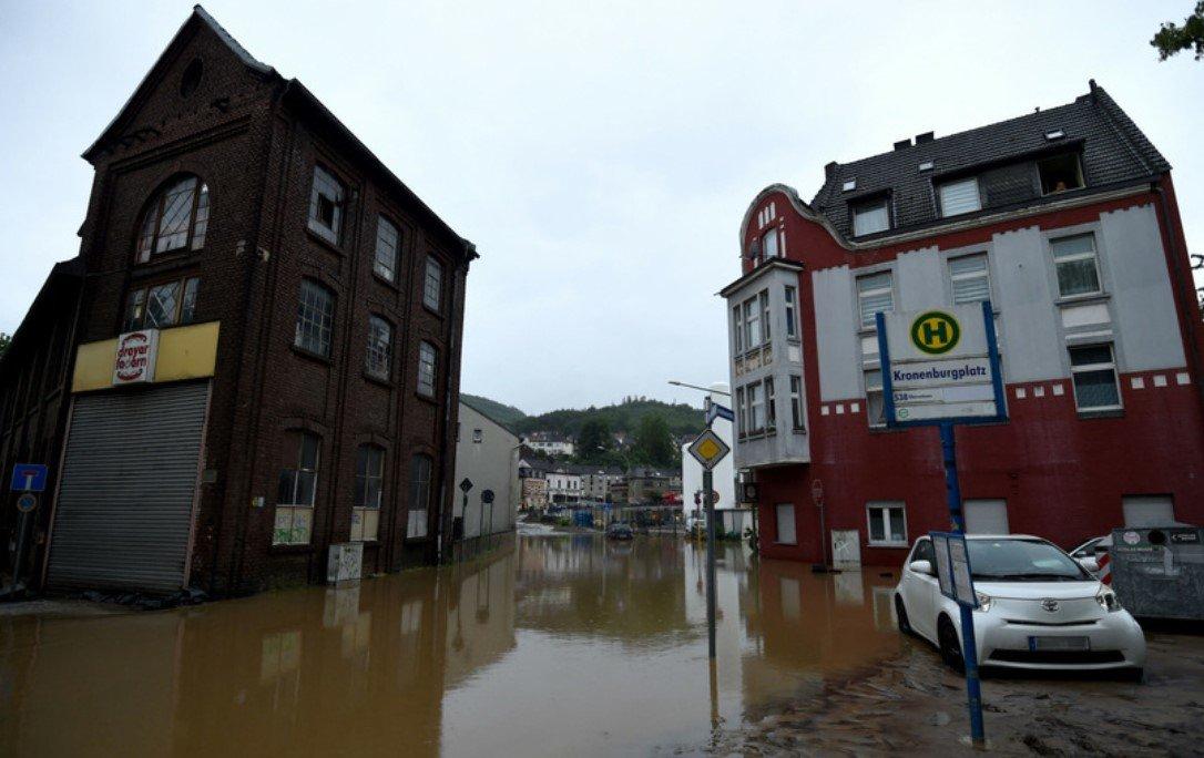 Количество погибших от наводнения в Германии выросло до 80