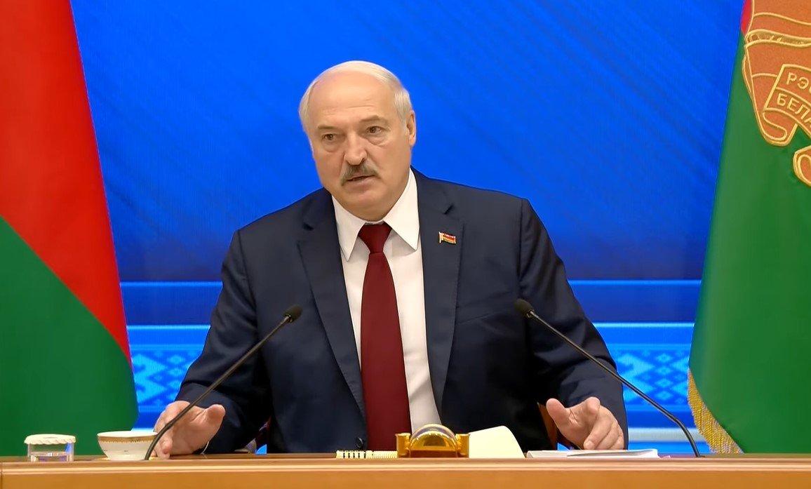 Лукашенко рассказал о подтверждающих его победу на выборах соцопросах