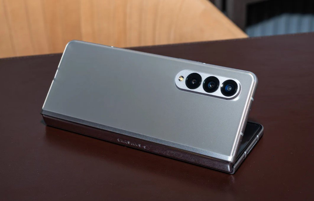 Samsung представил новые складные смартфоны повышенной прочности