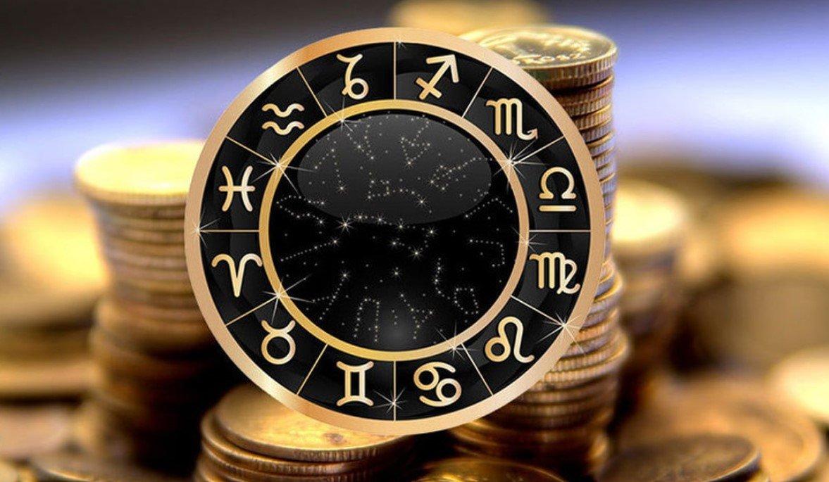 Астрологи назвали 4 знака зодиака, которым предсказывают богатство в 2022 году