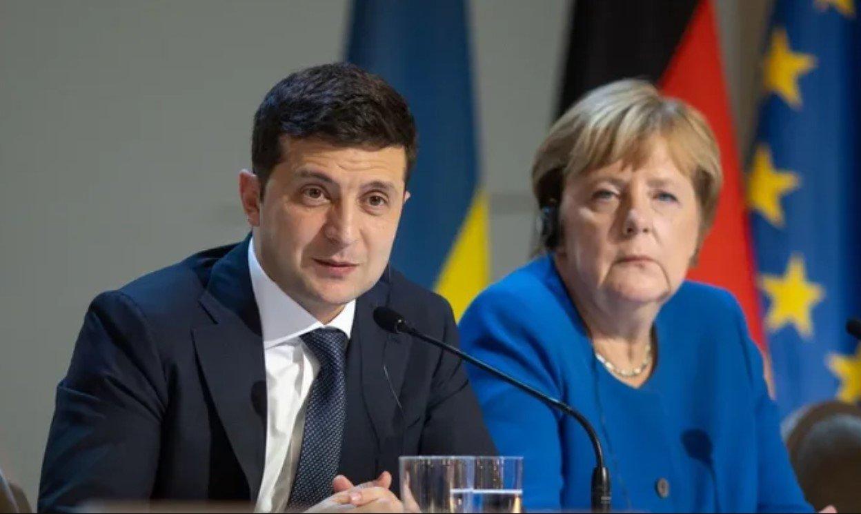 Меркель обсудила с Зеленским транзит российского газа и ситуацию на Донбассе