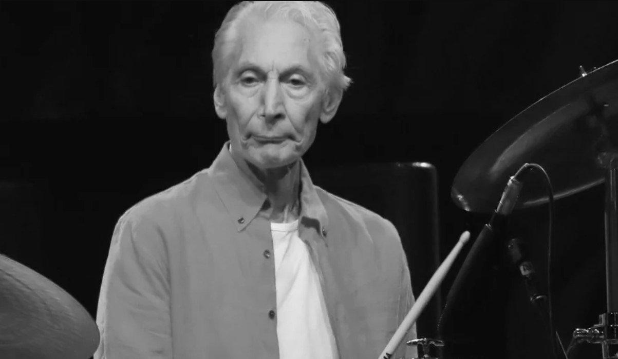 Умер барабанщик британской рок-группы The Rolling Stones Чарли Уоттс