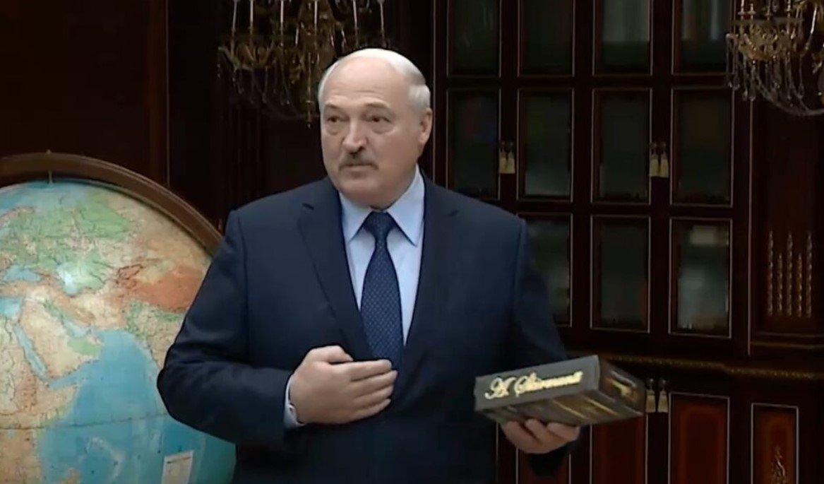 Лукашенко подарит Путину первый белорусский коньяк 9 сентября