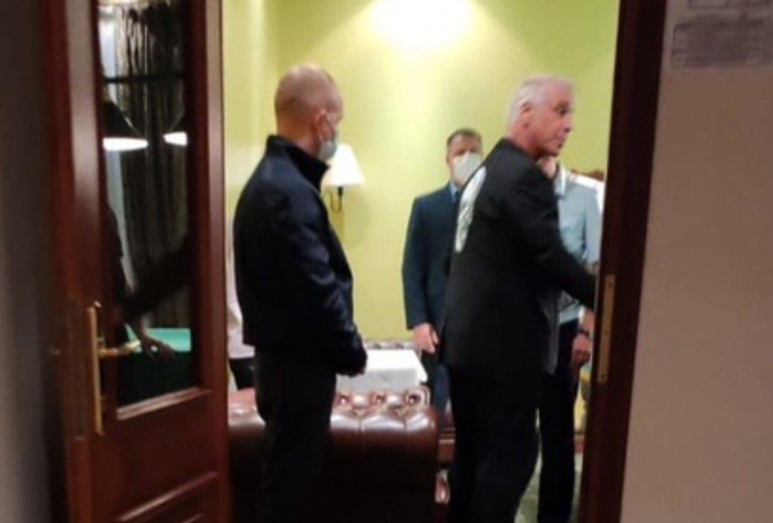 Полиция пришла в номер к солисту Rammstein Линдеманну из-за коронавируса
