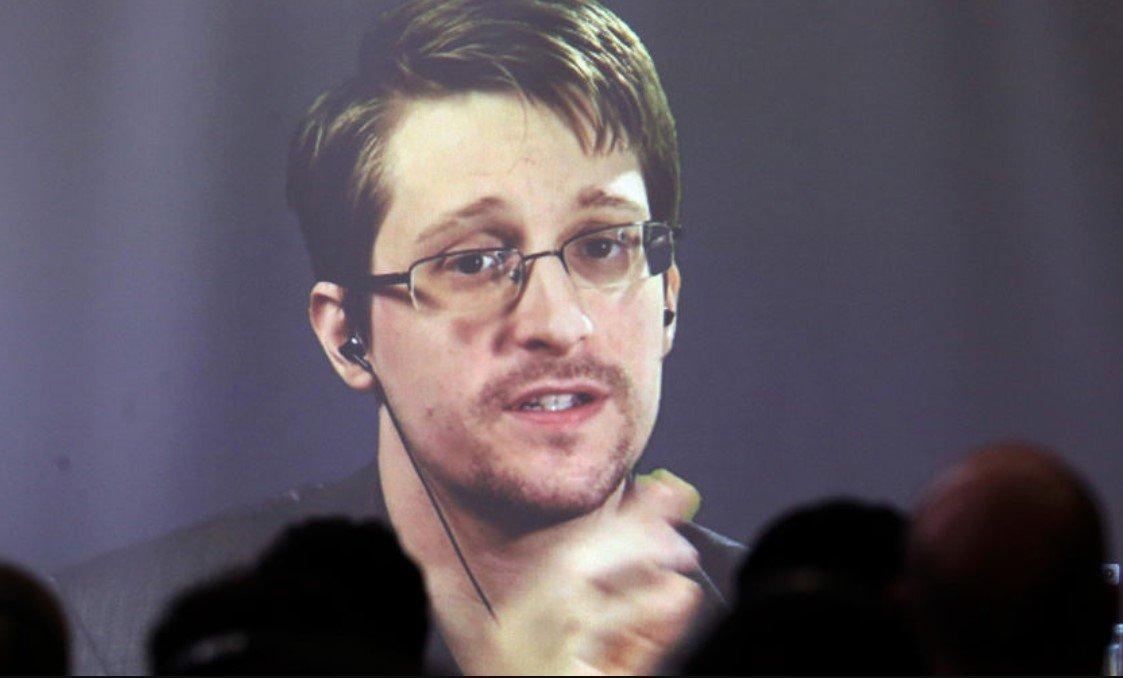 Сноуден предупредил владельцев Apple об опасности проникновения в личные данные