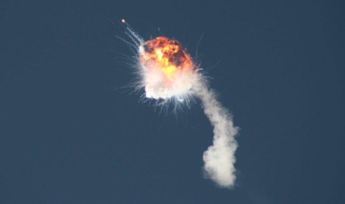 Ракета компании Firefly Aerospace взорвалась спустя 2 минуты после тестового запуска