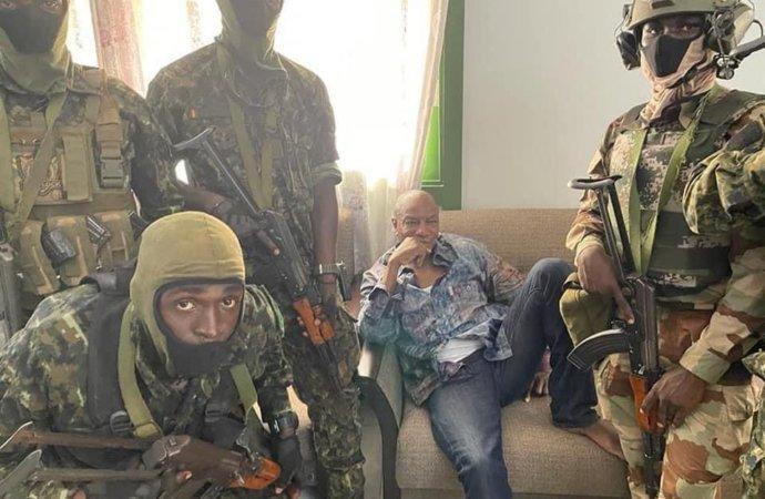 Военные арестовали президента Гвинеи Альфа Конде