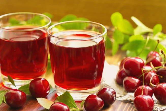 Назван помогающий быстрее заснуть фруктовый сок