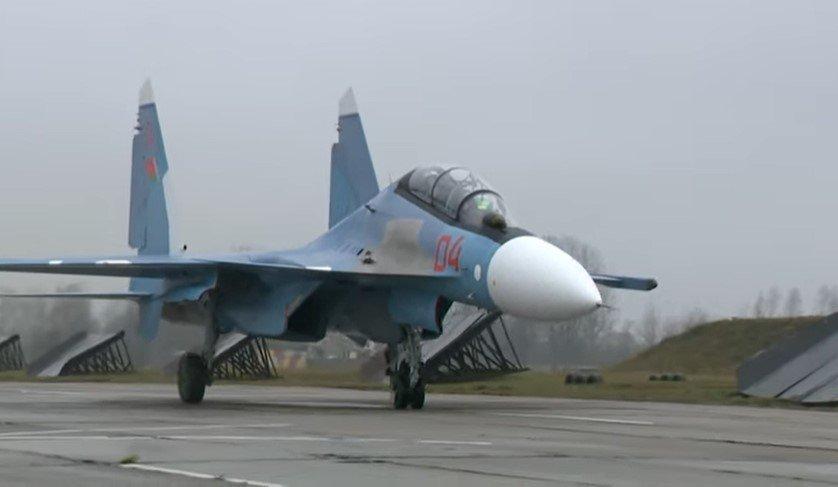 Российские истребители Су-30СМ прибыли в центр военной подготовки в Беларуси