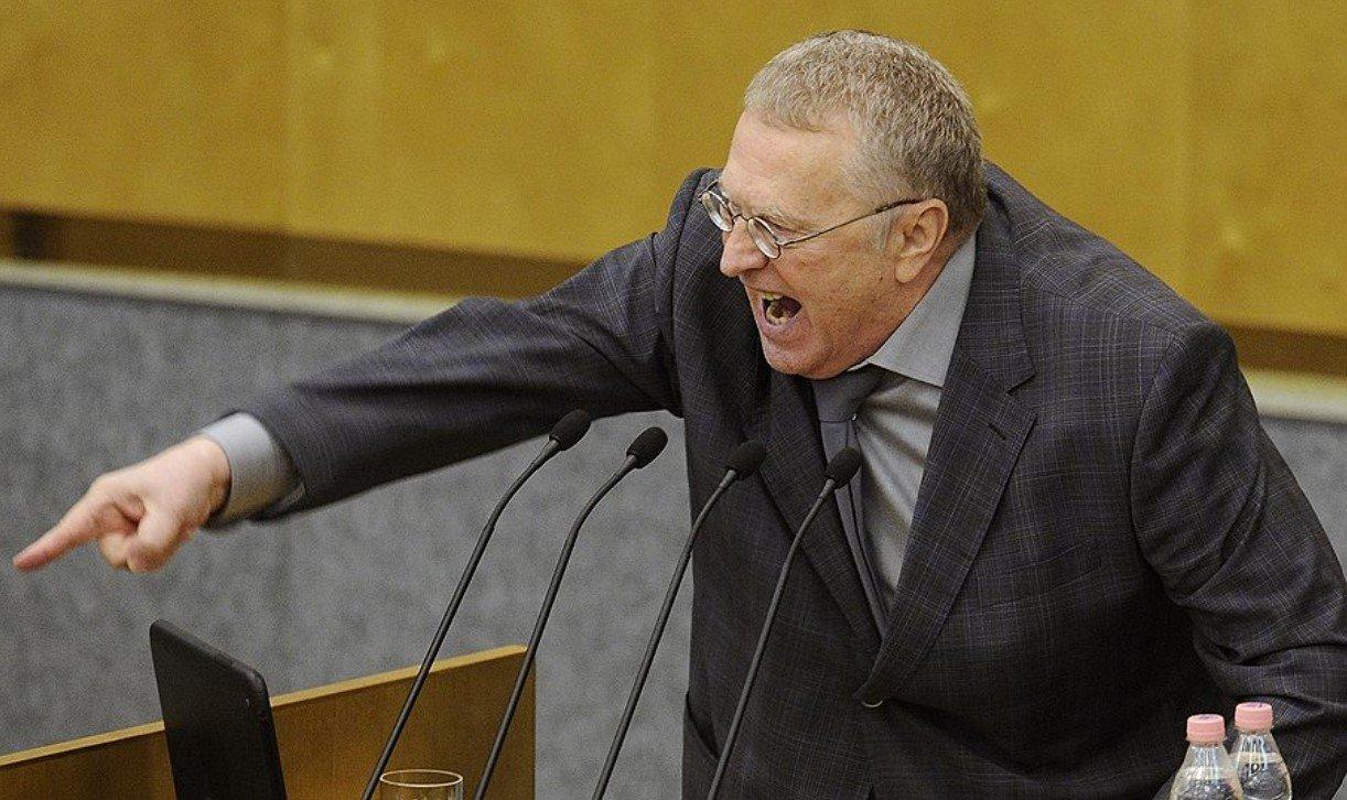 С Жириновского спали брюки во время теледебатов