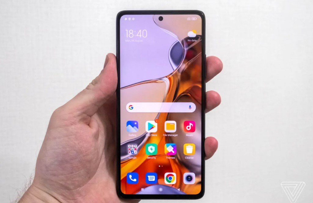 Xiaomi выпустила смартфон 11T Pro с зарядкой за 17 минут