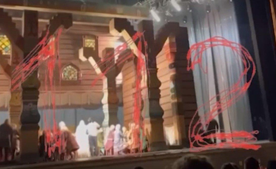 Опубликовано видео с моментом гибели артиста Большого театра в Москве